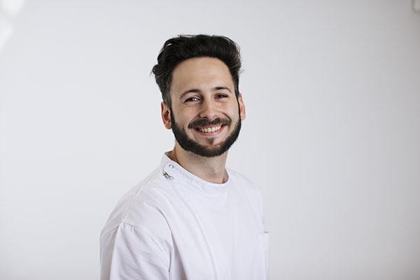 Arturo-Osuna-Sanchez-Odontologia-general-estetica-y-endodoncia